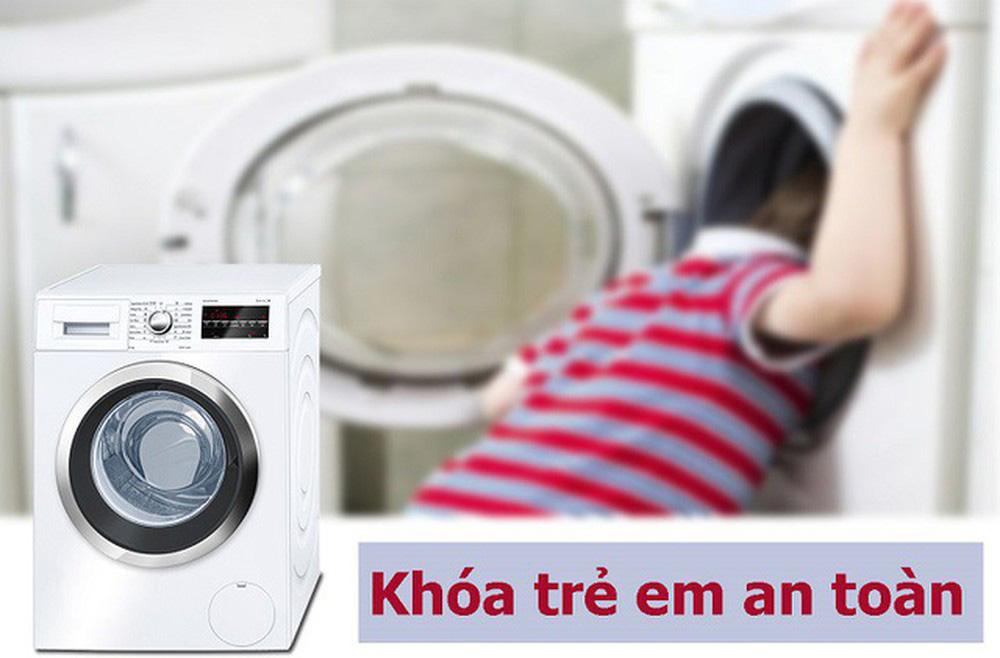 Khóa an toàn cho em bé trên máy giặt Toshiba