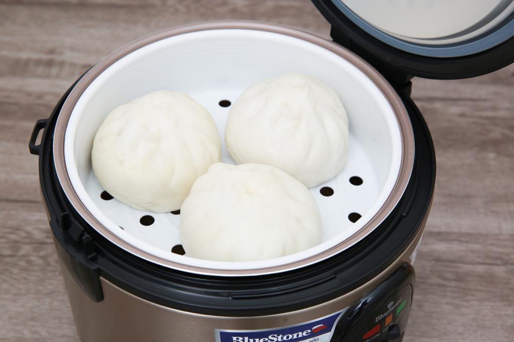 Tặng kèm xửng hấp dễ hấp thức ăn - Nồi cơm điện Bluestone RCB-5568 1.8 lít